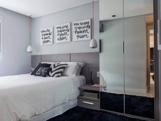 Apartamento jovem e descolado no bairro da Mooca Quartos modernos por Márcio Campos Arquitetura + Interiores Moderno