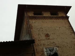 BOLLADELLO TOWER - Cairate (Va) - Italy: Case in stile in stile Classico di Giorgio Martino Architetto