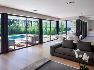 Villa Wainer Kawneer España Salones de estilo moderno