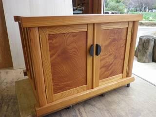 仏壇を載せる台: 工房 木歓坊 kikanboが手掛けた折衷的なです。,オリジナル