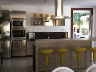 Beatrice Oliveira - Tricelle Home, Decor e Design Modern kitchen