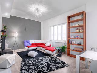 white apartment: Soggiorno in stile  di Cstudio Architettura & Design