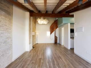 Viviendas Centro Histórico Valencia Comedores de estilo moderno de Singularq Architecture Lab Moderno