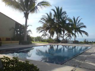 Modern Pool by José Vigil Arquitectos Modern