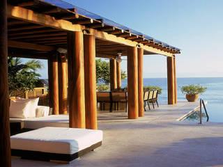 Балкон и терраса в стиле модерн от José Vigil Arquitectos Модерн