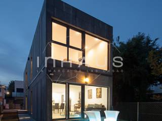Häuser von Casas inHAUS, Modern