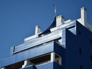 Edificio Torrelaguna Casas de estilo moderno de Domingo y Luque Arquitectura Moderno