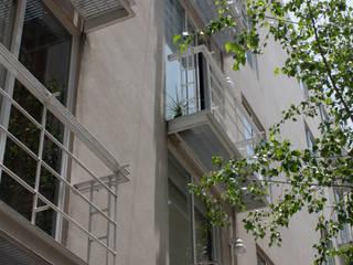 Moderner Balkon, Veranda & Terrasse von José Vigil Arquitectos Modern