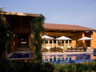 Moderne Pools von José Vigil Arquitectos Modern