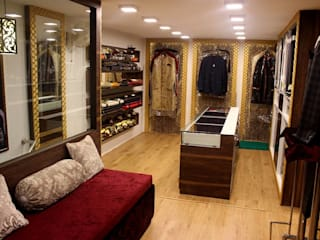 Prabhat's men's botique n designer studio Modern study/office by Legend Interiors Modern