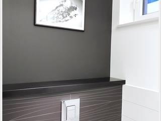 Black&white Nowoczesna łazienka od PTW Studio Nowoczesny