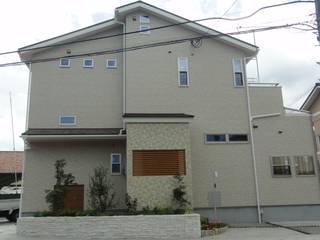 子供か楽しく遊べるように DIOMANO設計 モダンな 家 木 白色
