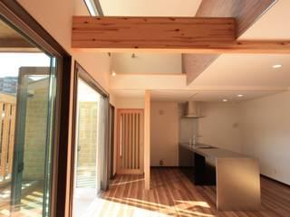 リビング: DIOMANO設計が手掛けたキッチンです。