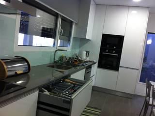 Cozinhas por medida 2: Cozinhas  por Ansidecor