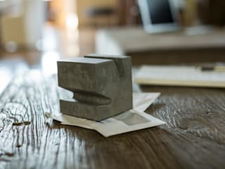 Concrete book support/paperweight Betoniu GmbH Dining roomAccessories & decoration