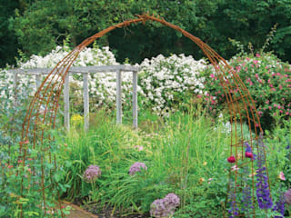 English Country Garden Rustic style gardens by Yorkshire Gardens Rustic