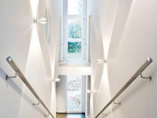 Einfamilienhaus Neubau:  Flur & Diele von Beilstein Innenarchitektur