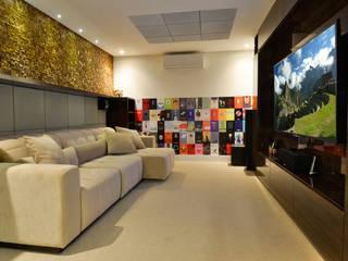 by Leila Azzouz Arquitetura Eireli Modern