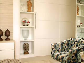 Living: Salas de estar  por Mally Arquitetura