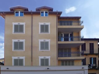RESIDENZA QUADRIFOGLIO: Case in stile  di Arch. Paolo E. Bertolotti
