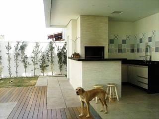 Projeto Campinas: Terraços  por Giovana Carvalho Arquitetura e Interiores