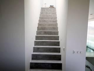 FD Fliesen GmbH Modern corridor, hallway & stairs