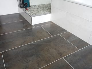 FD Fliesen GmbH Modern bathroom Tiles