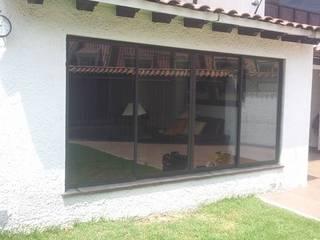 モダンな 窓&ドア の JPM Aluminios Bogotá モダン