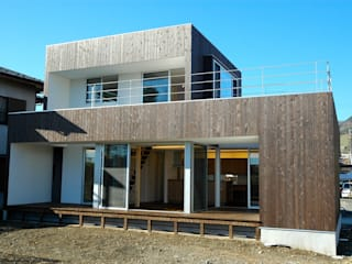 仲摩邦彦建築設計事務所 / Nakama Kunihiko Architects Case moderne Legno Marrone