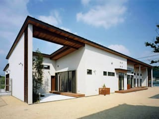 House of the big roof: Sakurayama-Architect-Designが手掛けた家です。