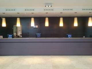 Empfang & Theke Moderne Hotels von Resimdo GmbH Modern