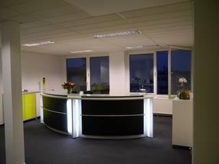 Empfang & Theke Moderne Praxen von Resimdo GmbH Modern