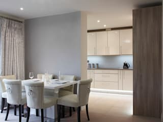 New Build Contemporary Interior Design Ealing Quirke McNamara Їдальня Металевий / срібло