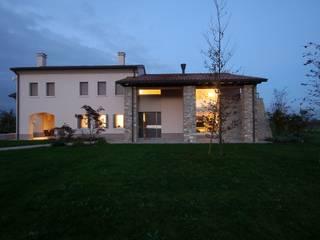 EDIFICIO GIRARDI Casa rurale di De Prà Adriano Caselegno Rurale
