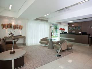 Hotel Bristol Hospitais modernos por Das Haus Interiores - by Sueli Leite & Eliana Freitas Moderno