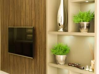 """Reforma da residência """"S""""- cozinha, estar, suíte e lavabo:   por ANE DE CONTO  arq. + interiores,"""
