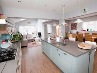 Vibrant and Modern Kitchen Extension by Redesign Сучасний