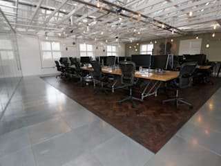 A Contemporary Office Refit at Delete Leeds - Open plan office:  Office buildings by Redesign