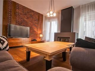 Rustykalna Posiadłość: styl , w kategorii Salon zaprojektowany przez Pracownia Architektury Wnętrz Hanny hildebrandt,