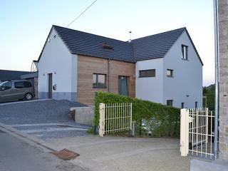 Maison passive et cabinet médical à Namêche (Andenne): Maisons de style de style Moderne par Bureau d'Architectes Desmedt Purnelle