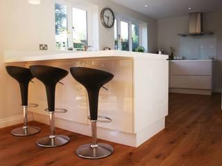 A modern kitchen refit by Redesign Сучасний