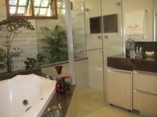 Baños de estilo  por Das Haus Interiores - by Sueli Leite & Eliana Freitas