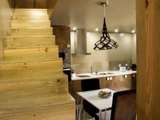 Kiko House RH Casas de Campo Design 모던스타일 복도, 현관 & 계단