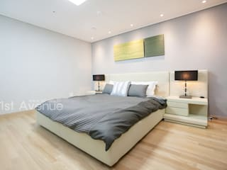 Modern style bedroom by 퍼스트애비뉴 Modern