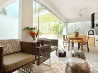 Ruang Keluarga oleh Silvana Lara Nogueira, Modern