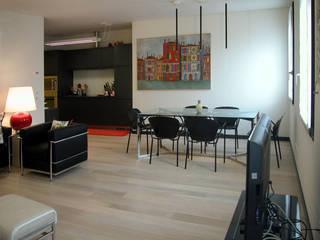 Living room by LEANDRO ASSOCIATI Architettura & Ingegneria - Venezia, Modern