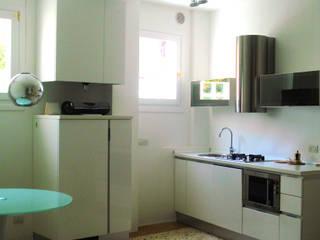 casa Z Venezia: Soggiorno in stile in stile Moderno di LEANDRO ASSOCIATI Architettura & Ingegneria - Venezia