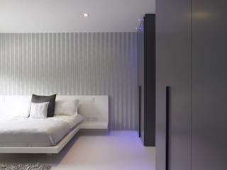 Bedroom Interiors Quirke McNamara Modern style bedroom Grey