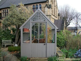 Cotswold Victorian Greenhouses:  Garden by Greenhouse Stores