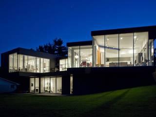 Fachadas: Casas de estilo  por Vektor arquitek,